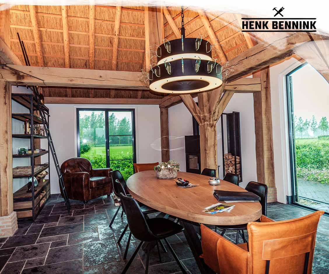 Interieur houten kantoor gerealiseerd door Henk Bennink Exclusieve Houtbouw