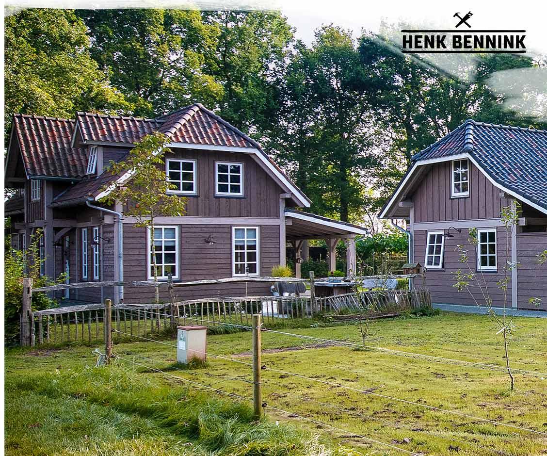 Douglas Houten woonhuis met gastenverblijf in Heerle gerealiseerd door Henk Bennink Exclusieve Houtbouw
