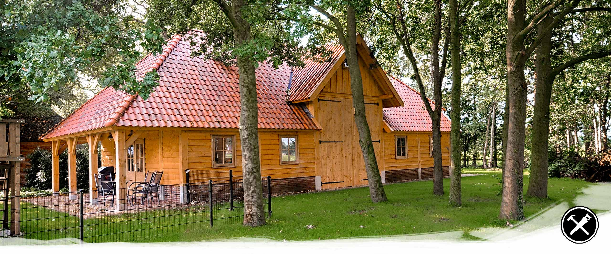 Douglas Houten Doorijschuur met camperstalling in Haaksbergen gerealiseerd door Henk Bennink Exclusieve Houtbouw