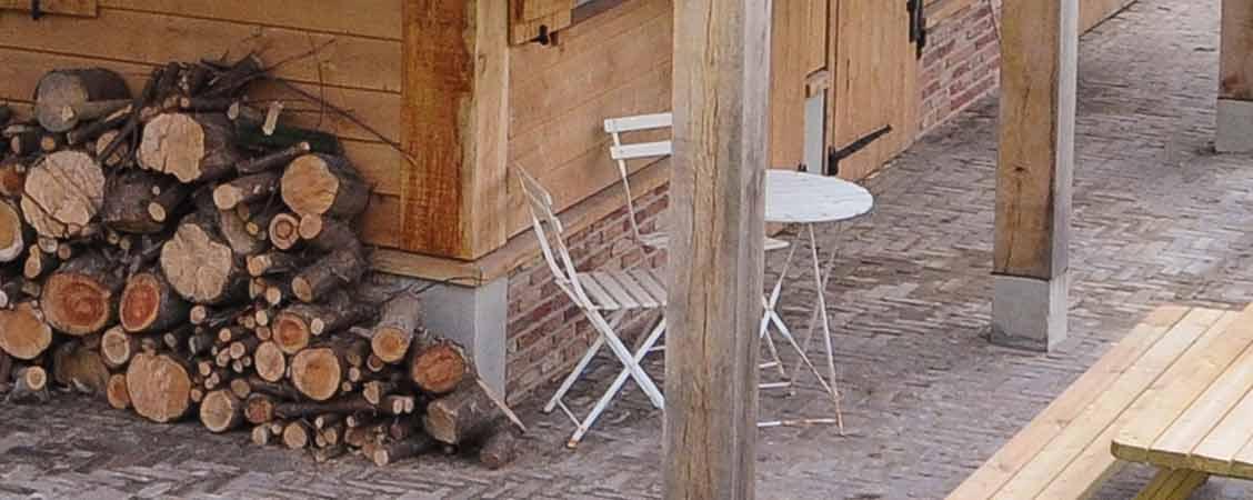 Gastenverblijf met paardenstal in Rijnsburg gerealiseerd door Henk Bennink Exclusieve Houtbouw