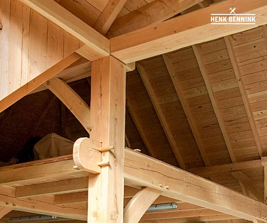 Gebint Constructie van Douglas Houten Doorijschuur met camperstalling in Haaksbergen gerealiseerd door Henk Bennink Exclusieve Houtbouw