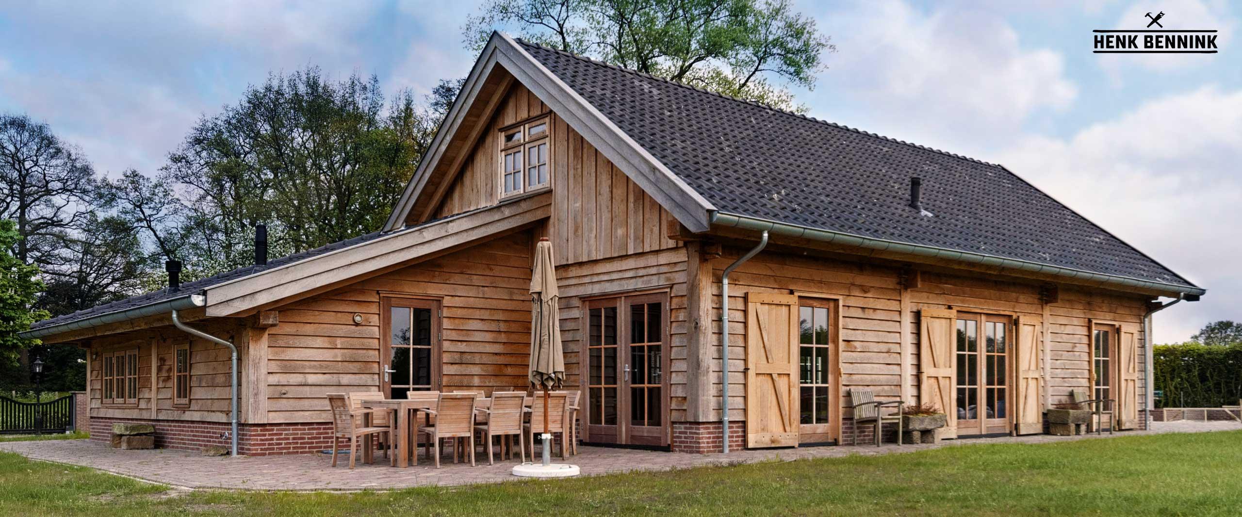 Eiken Workshopruimte met gastenverblijf in Lonneker gerealiseerd door Henk Bennink Exclusieve Houtbouw